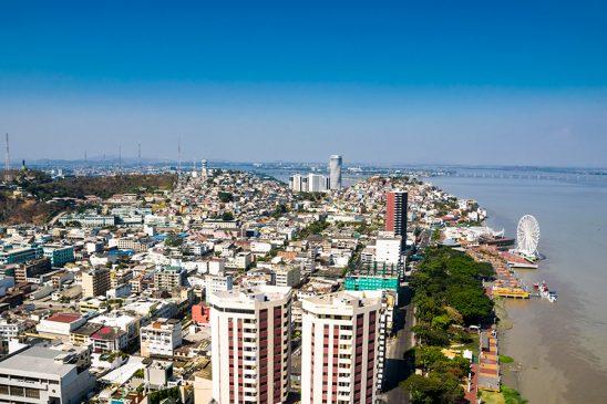 Guayaquil desde el aire malecon centro cerro santa ana