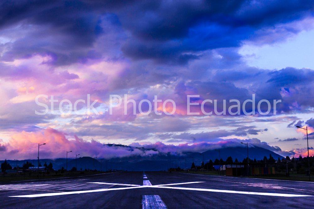 Parque Bicentenario en Quito / Puntería de piloto Stockipic